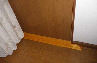 寝室扉 手摺り取付後