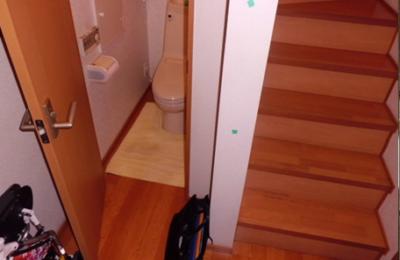 トイレ入口 手すり設置前